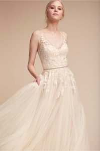 BHLDN Porcelain Lace Tulle Reagan Gown; Style #37595295 Feminine Wedding Dress Size 10 (M)