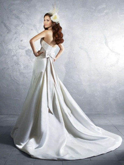 Alfred Angelo 2185 Wedding Dress