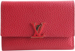 Louis Vuitton Louis Vuitton Capucines Compact Wallet