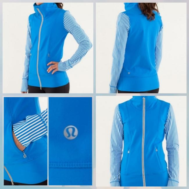 Item - Blue Bnwt Daily Yoga Activewear Outerwear Size 4 (S)