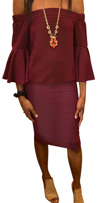 Item - Burgundy Off Shoulder Tunic Size 6 (S)