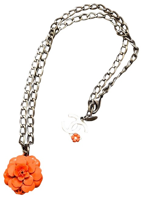 Item - Orange/White Cc Camellia Necklace