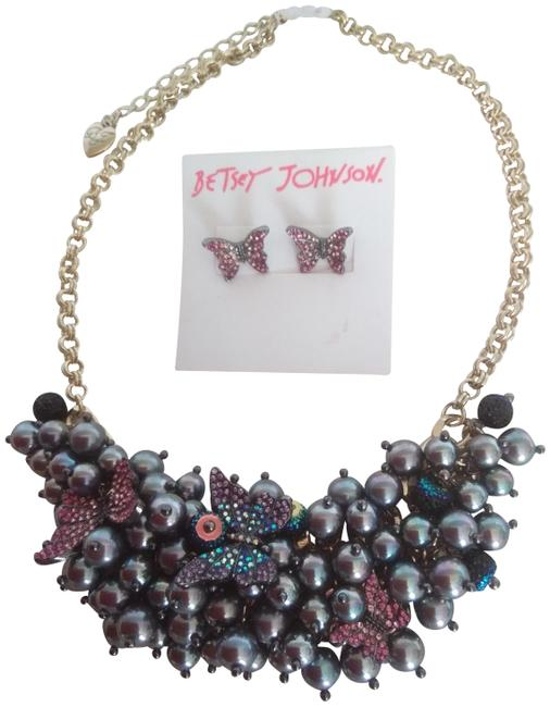 Betsey Johnson Gray New Pearl/Butterfly Necklace & Earrings Betsey Johnson Gray New Pearl/Butterfly Necklace & Earrings Image 1