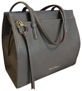 Salvatore Ferragamo Pebbled Leather Soft Leather Double Handles Logo Hardware Shoulder Bag