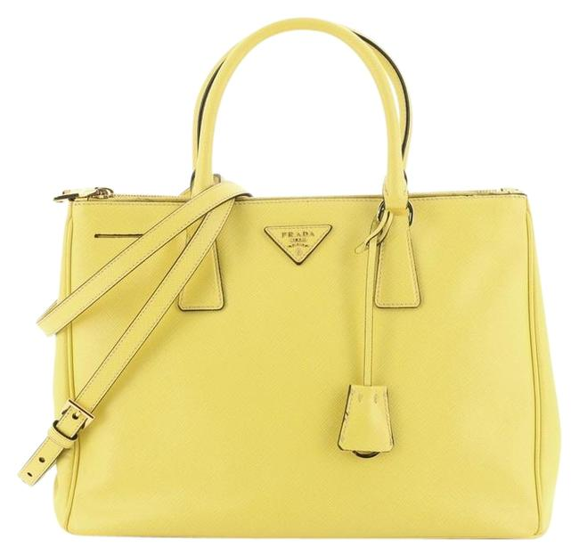 Item - Double Lux Zip Saffiano Medium Yellow Leather Tote