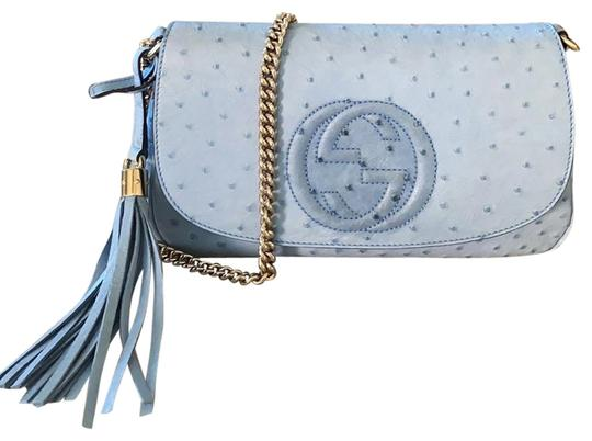 Preload https://img-static.tradesy.com/item/26814730/gucci-soho-in-light-blue-ostrich-leather-cross-body-bag-0-6-540-540.jpg