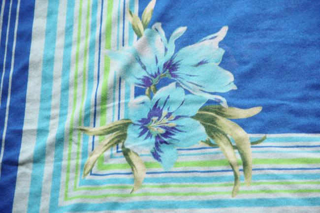 Other Sarong with tropical flowers