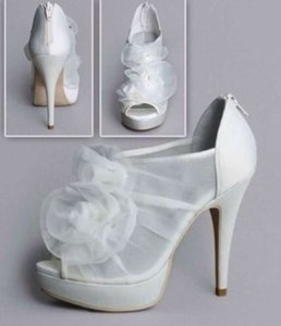 Vera Wang Wedding Shoes, Used Vera Wang Wedding Shoes, - Tradesy ...