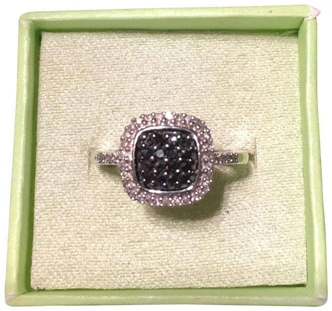 Item - Black Never Worn 14k Jade Ring