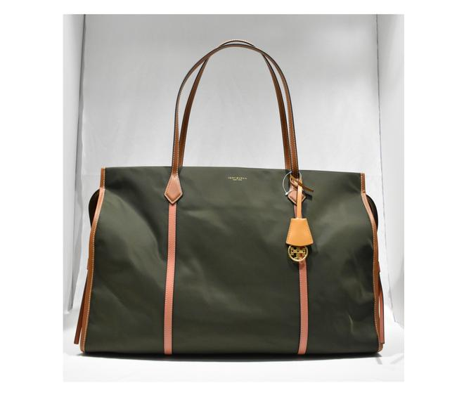 Item - Perry Oversize Colorblock Tote Diaper Green Nylon Weekend/Travel Bag