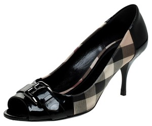 Burberry Patent Leather Peep Toe Leather Black Pumps