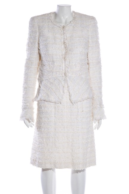 Item - Ivory Tweed Skirt Suit Size 8 (M)