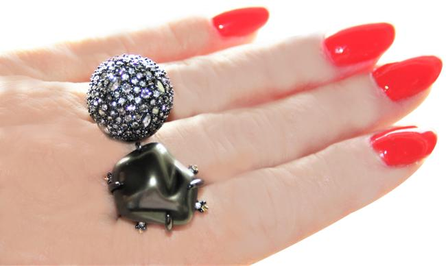 Item - Gold Black Fabulous Double Domed Ring