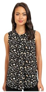 VINCE CAMUTO Leopard Sweeping Top BLACK CAMEL & CREAM