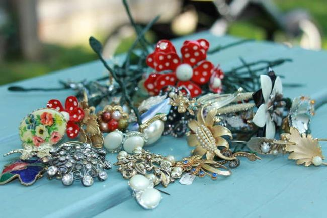 Item - Multicolor Brooch Clip On Earring Lot For Wedding Bouquet
