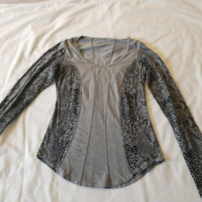Item - Grey and Black 00 Activewear Top Size 0 (XS)