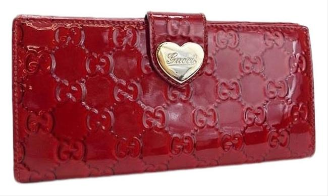 Item - Red Color Lovely Heart Heart Logo Plate Gg Pattern Men Women Patent Leather Long Bill (Bi-fold) Wallet