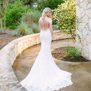 Ines Di Santo Ivory Silk Lace Giselle Illusion Off The Shoulder Mermaid Gown Formal Wedding Dress Size 8 (M)