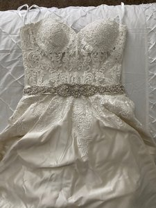 Allure Bridals Ivory Satin & Lace Traditional Wedding Dress Size 10 (M)