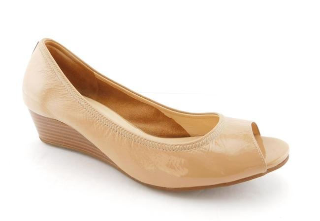 Item - Nude Beige Nike Air Soft Patent Leather Open Toe Ballet Wedges Size US 8 Regular (M, B)