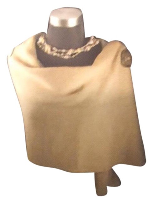 Item - Brown Knit Riverton with Matching Gloves Scarf/Wrap