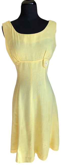 Item - Light Yellow Daisy 1950's Mid-length Cocktail Dress Size 4 (S)