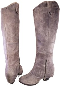 FERGIE Distressed Leather Ledger Too Western Woman Size 8.5 GRAY Boots