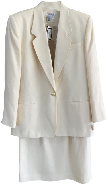 Item - Ivory Linen Jacket & Skirt Suit Size 12 (L)