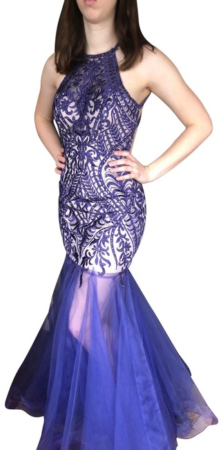 Item - Long Formal Dress Size 4 (S)
