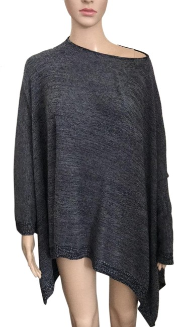 Item - Black and Grey Tunic Size OS (one size)
