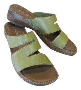 Naturalizer Sandal Size 7m PALE GREEN, TAN Sandals