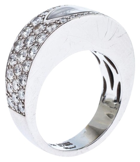 Preload https://img-static.tradesy.com/item/26872543/chopard-white-happy-diamond-lozenge-shaped-18k-gold-cocktail-band-size-55-ring-0-1-540-540.jpg