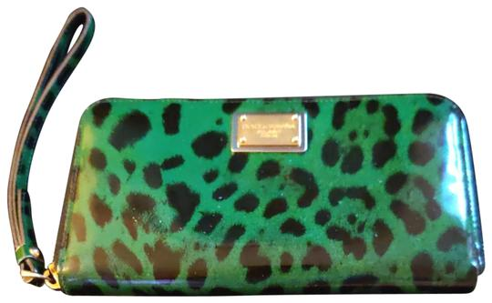 Preload https://img-static.tradesy.com/item/26872547/dolce-and-gabbana-dolce-and-gabbana-greenblk-leopard-print-wallet-leather-wristlet-0-8-540-540.jpg