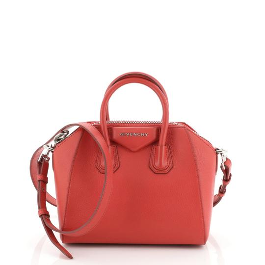 Preload https://img-static.tradesy.com/item/26872706/givenchy-antigona-leather-mini-red-satchel-0-0-540-540.jpg