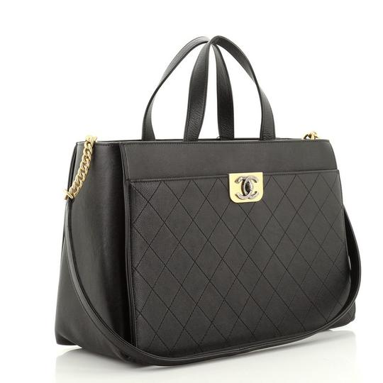 Chanel Leather Tote in Black Image 1