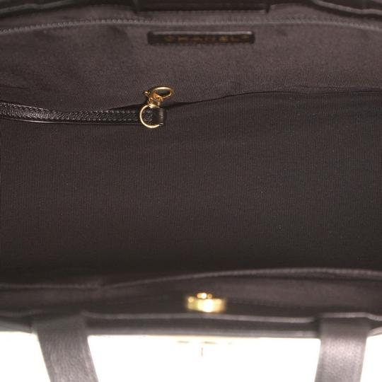 Chanel Leather Tote in Black Image 4