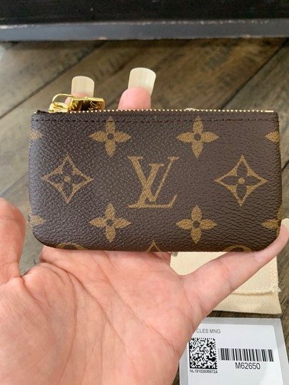 Louis Vuitton New sold out Key Pouch Cles Monogram Dustbag tags made in France Image 3