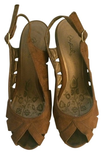 Qupid Brown Wedges