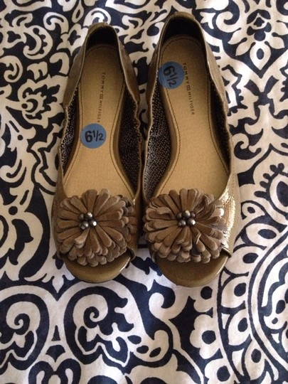 Tommy Hilfiger Taupe Flats
