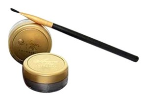 Amore Mio Cosmetics 24K shimmer kit by oro