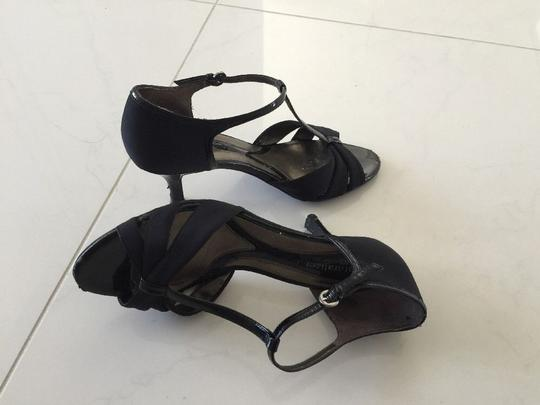 Naturalizer Strappy Black Sandals