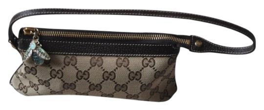Preload https://item1.tradesy.com/images/gucci-pochette-wbumble-bee-charm-brown-on-beige-monogram-shoulder-bag-2688205-0-0.jpg?width=440&height=440