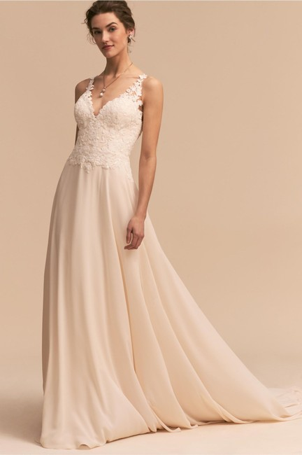 BHLDN Ivory Whispers & Echoes Kirsten Gown Feminine Wedding Dress Size 4 (S) BHLDN Ivory Whispers & Echoes Kirsten Gown Feminine Wedding Dress Size 4 (S) Image 1