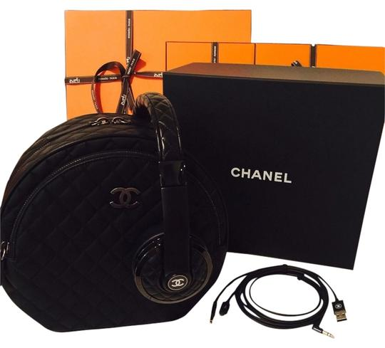 Preload https://item3.tradesy.com/images/chanel-chanel-x-monster-headphones-w-bag-karl-lagerfeld-rare-limited-edition-2688292-0-0.jpg?width=440&height=440