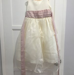 Cream Polyester Flower Girl Formal Bridesmaid/Mob Dress Size 6 (S)