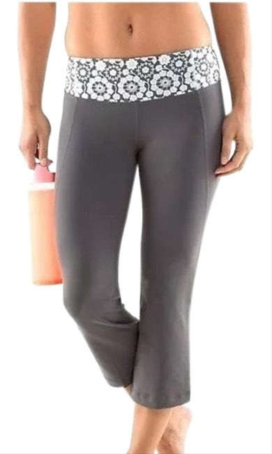Item - Gray Capri Print Waist Activewear Bottoms Size 4 (S)