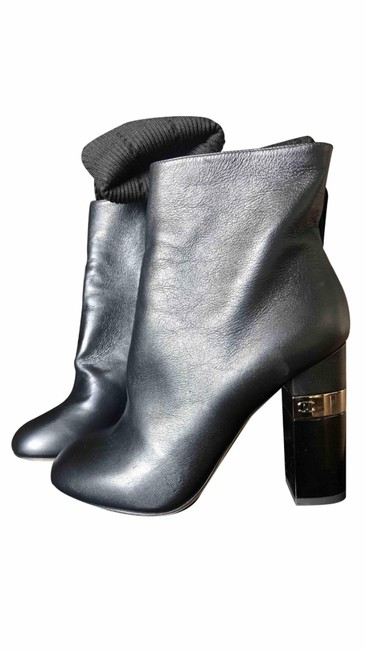 Item - Black Ankle Boots/Booties Size EU 36.5 (Approx. US 6.5) Wide (C, D)