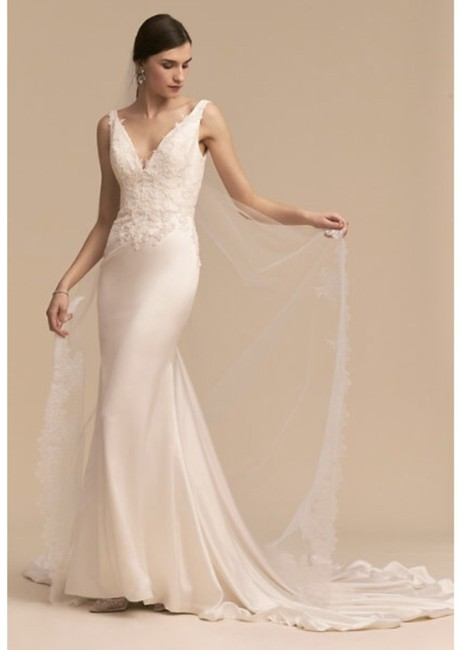 BHLDN Ivory Oceana Gown Whispers & Echoes Feminine Wedding Dress Size 10 (M) BHLDN Ivory Oceana Gown Whispers & Echoes Feminine Wedding Dress Size 10 (M) Image 1