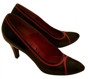 Saint Laurent Vintage Classic Retro 80's Black and Red Pumps