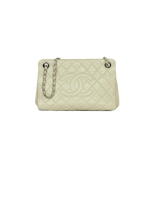 Item - Tote Caviar Timeless Cc Ivory Leather Cross Body Bag